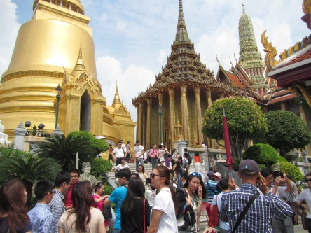 The crowds at The Grand Palace were a little crazy!  It was like being back in China!!