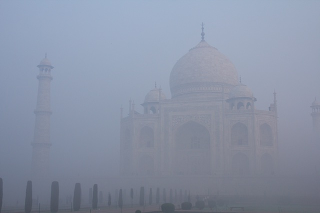 Taj-Mahal-foggy-side-view-Agra-Dec-2015-1