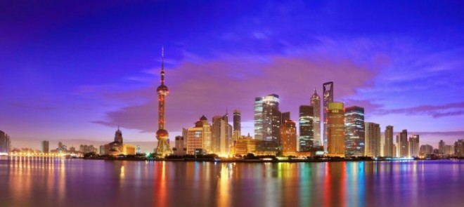 China-Shanghai-Skyline-Night-670x300