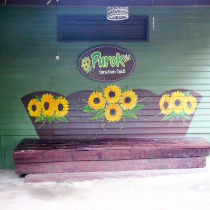 An adorable bench.